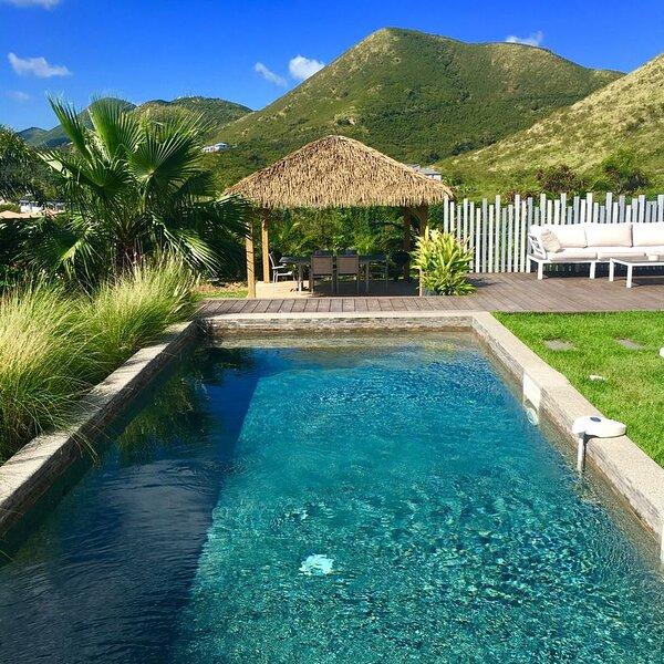 Appartement de standing dans  jardin tropical, piscine privative & Gazebo !, holiday rental in Cul de Sac