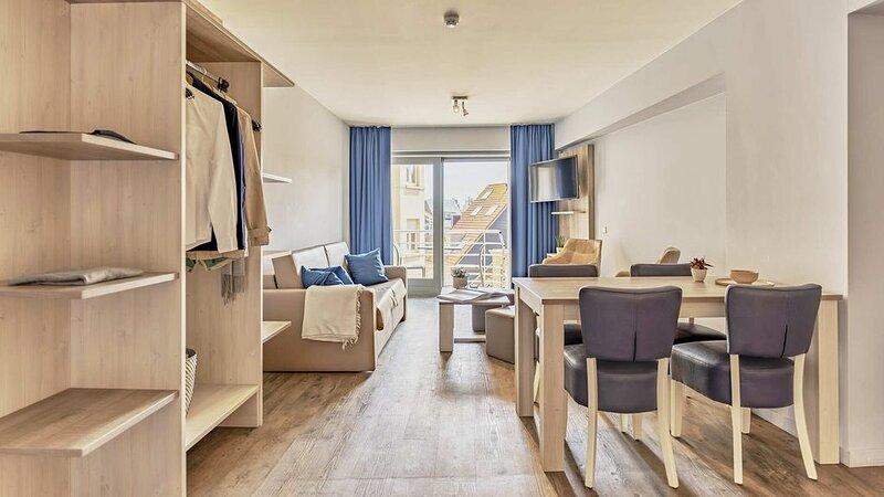 Appartement pour 4 personnes avec balcon et orienté côté sud., vacation rental in Wenduine