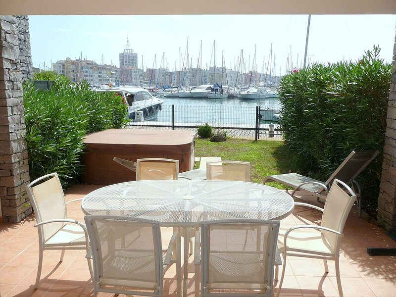 Marina  avec jacuzzi, holiday rental in Agde