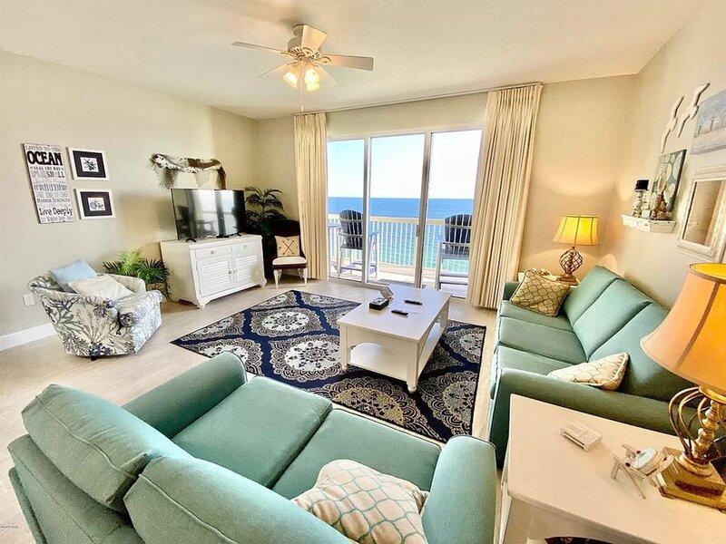 2107 Celadon. Beach Service Included. New throughout for 2021!!, alquiler de vacaciones en Laguna Beach