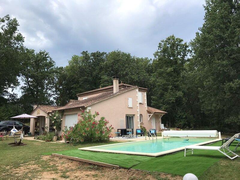 Magnifique Villa Privative avec Piscine au calme en pleine nature à Lalinde, location de vacances à Mauzac-et-Grand-Castang