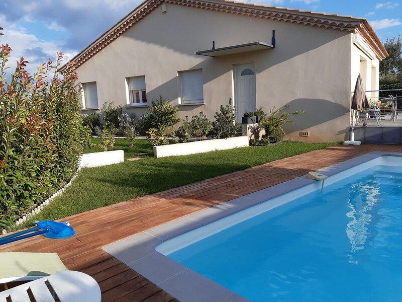 Villa idéalement située avec piscine., alquiler vacacional en Lansargues