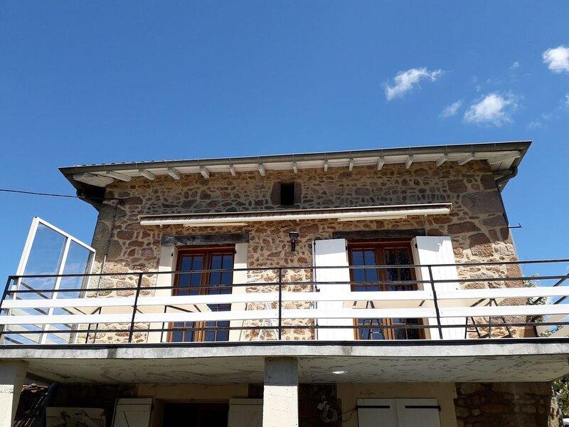 Appartement dans villa, holiday rental in Courzieu