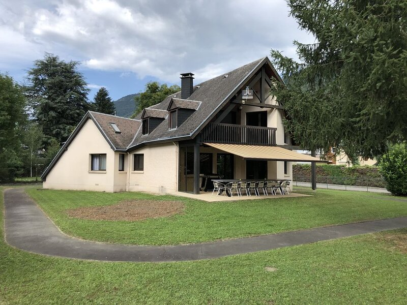 Location chalet – Luchon – 16 personnes, holiday rental in Saint-Mamet