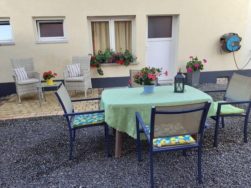 BEAU GITE DE PLEIN PIEDS AVEC PISCINE, vacation rental in Ebersmunster