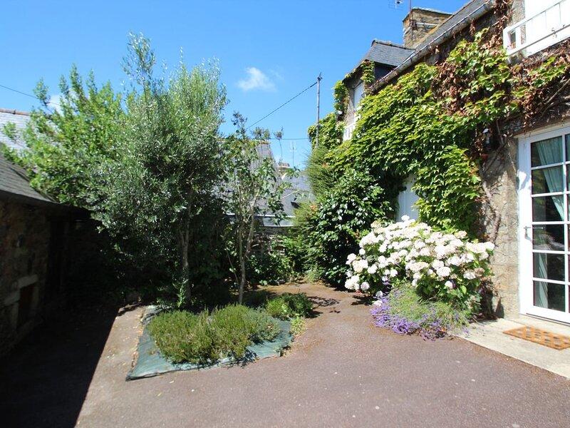 Maison 8 personnes, Pléboulle, holiday rental in Saint-Denoual