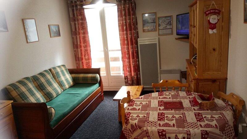 Appartement, pied des pistes, 4eme étage, 2 pièces, 30 m2, holiday rental in Les Adrets