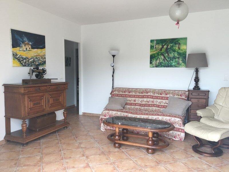 Maison de village 4/5 personnes, holiday rental in Quinson