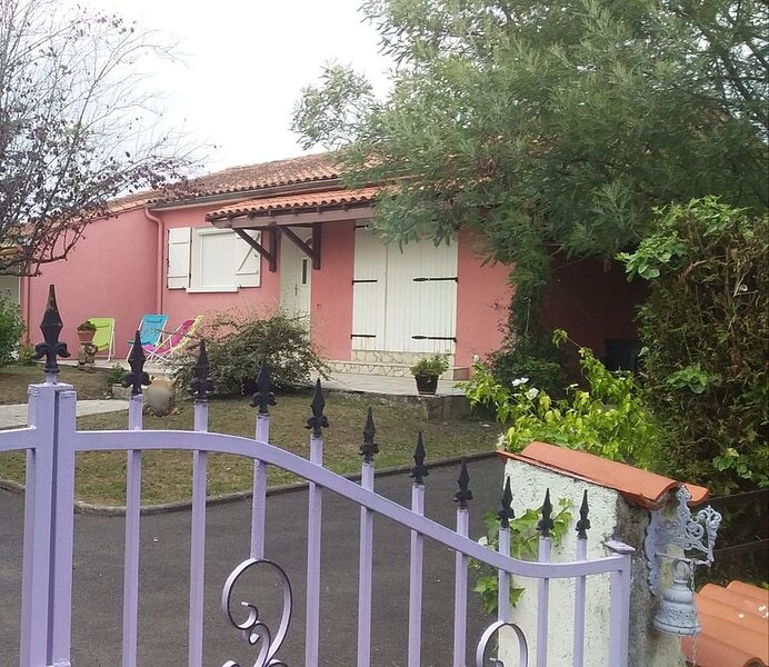 GITE DE LA MERONNE EN CHARENTE, holiday rental in Jauldes