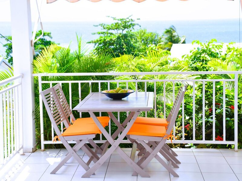 Appartement Sunny Palm vue sur mer, vacation rental in Rifflet