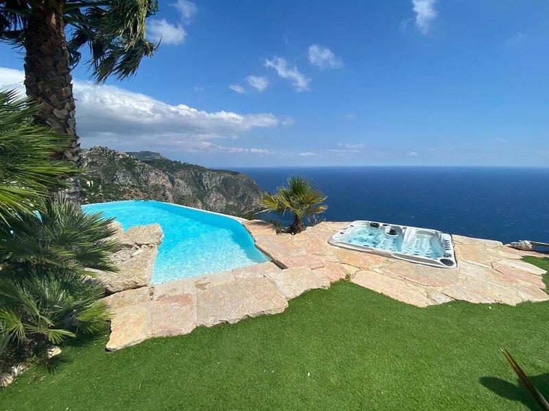 Eze - Villa d'exception Avec un Panorama à couper le souffle, holiday rental in Èze