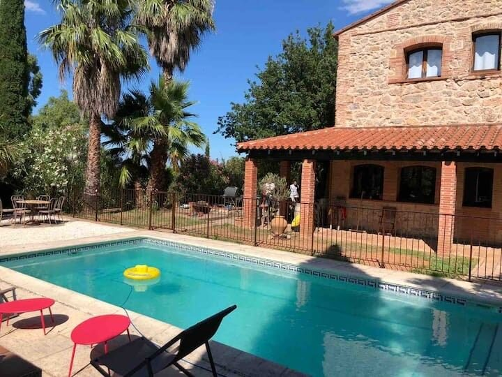 Grand mas catalan idéal pour les familles, holiday rental in Thuir
