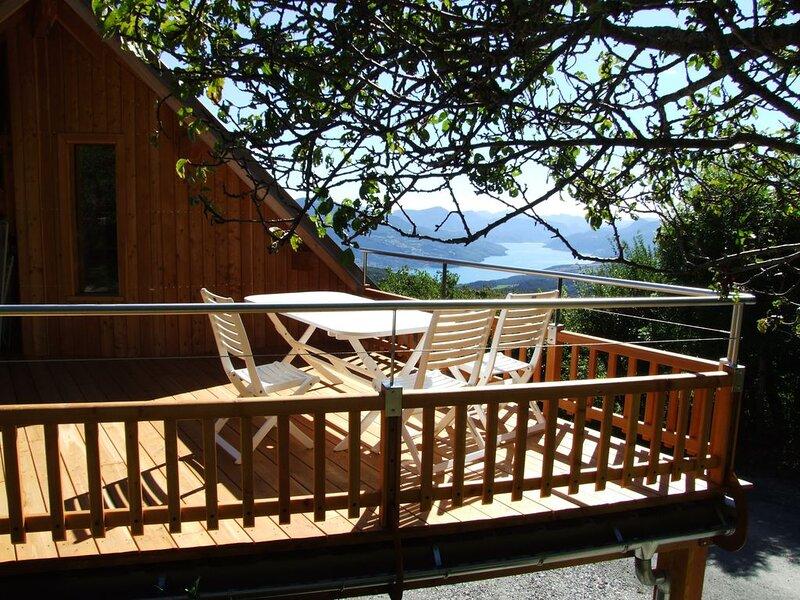 F2 tout confort - lac et montagne - Promo hiver., holiday rental in Puy-Sanieres