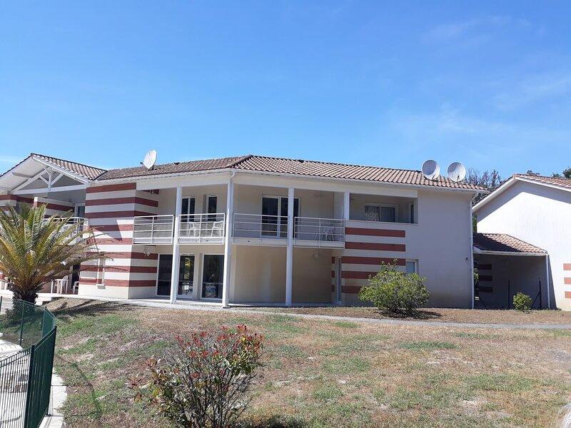 Maison proche de l'océan et forêt, holiday rental in Soulac-sur-Mer