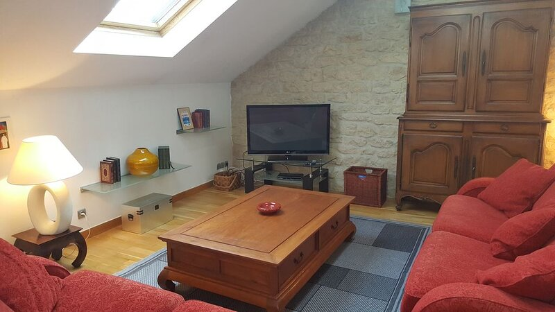 LE LOFT DE MICHELET A NANCY POUR 4 PERSONNES TRES CALME, holiday rental in Nancy