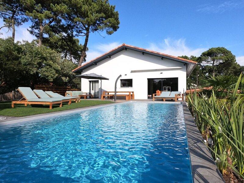 Villa M'Vassa 5* - 165m2 avec piscine chauffée - 10 voyageurs, alquiler de vacaciones en Capbreton