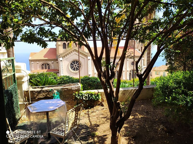 3 pièces en rez- de- jardin  frontiere MONACO. PROMO LONGUE DUREE, vacation rental in Monte-Carlo