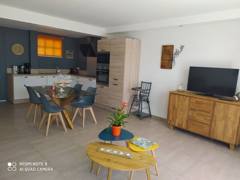 luxury apartment 300 m from the beach and in private residence with wifi, location de vacances à La Ciotat
