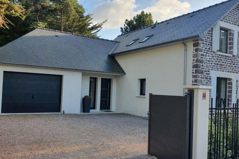 Maison Jazharra avec jardin et SPA, casa vacanza a Pleherel-Plage-Vieux-Bourg