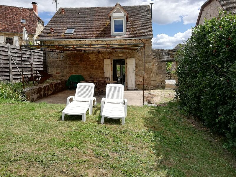 Gîte de 80 m² climatisé, dans ancien corps de ferme,  classé 4 *, pour 4 pers., holiday rental in Le Pescher