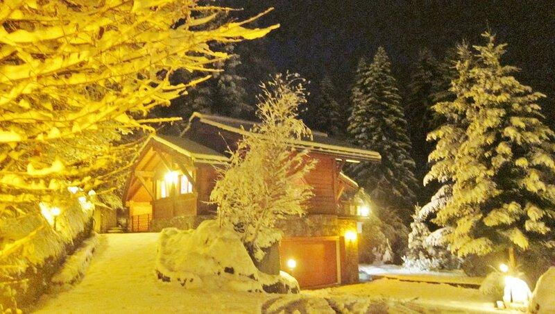 Magnifique chalet face à la chaîne du Mont Blanc, sauna, garage 3 voitures, holiday rental in Les Houches