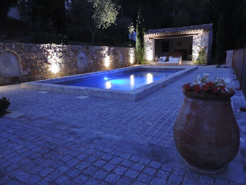Villa provençale d'architecte, écologique et au calme., casa vacanza a Flayosc