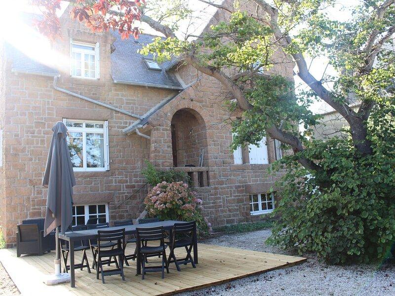 Trebeurden  villa 7personnes 4 chambres rénovée plages à 300 mètres, holiday rental in Trebeurden