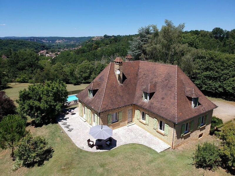 Grande Maison Périgourdine avec un panorama exceptionnel, pour 12 personnes, casa vacanza a Saint-Cybranet