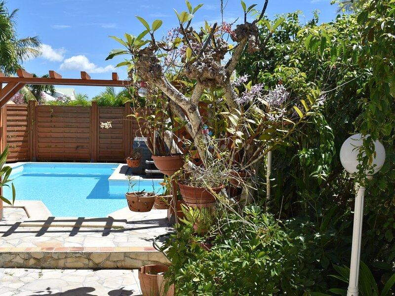 GITE DES ORCHIDEES SAINTE ANNE, aluguéis de temporada em Sainte-Anne