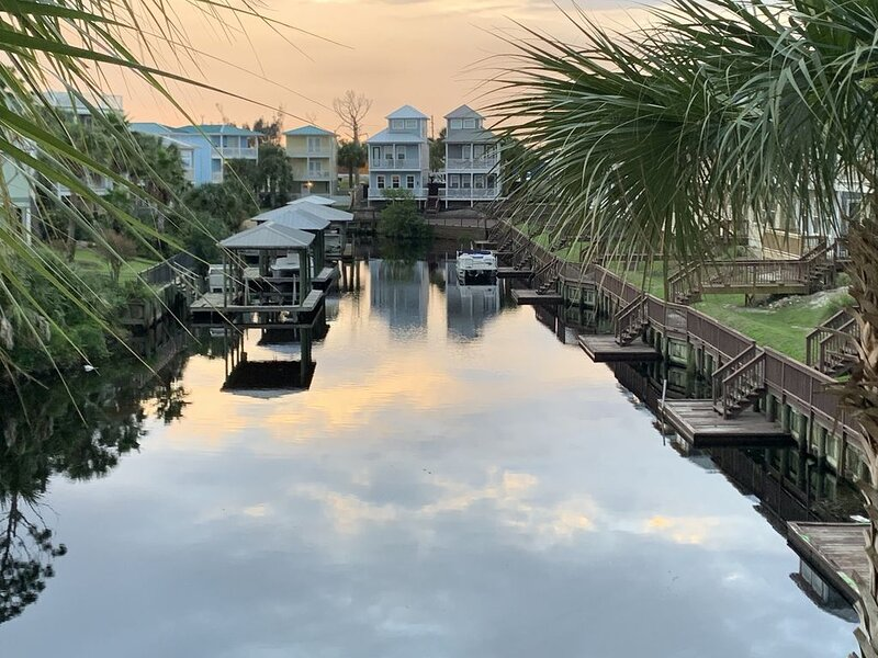 Available Now, Beautiful, Serene 2 bedroom/2 bath, Ferienwohnung in Mexico Beach