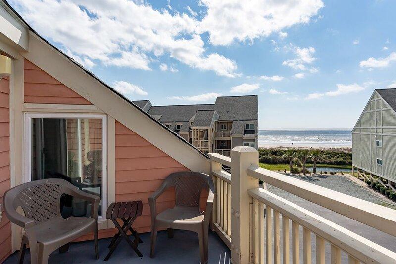 My Great Escape: 2 BR / 1 BA condo in Caswell Beach, Sleeps 5, alquiler de vacaciones en Caswell Beach