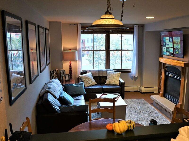 WP Base! Zephyr Mtn Lodge 1BR Ski In/Out, Smart TV, new bathroom, dedicated WiFi – semesterbostad i Winter Park