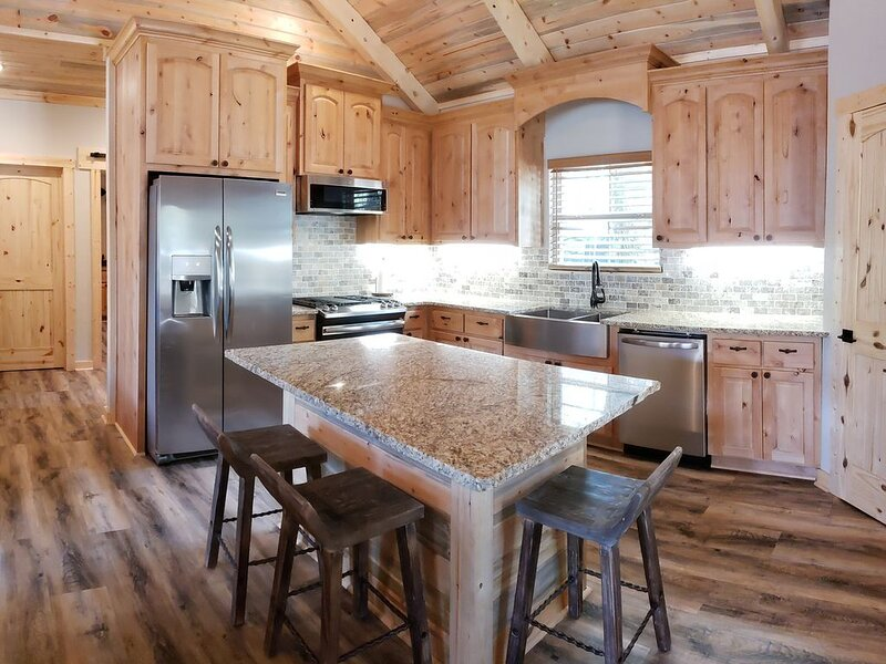 The Best Kept Secret Cabin of Caddo/Lake View, holiday rental in Greenwood