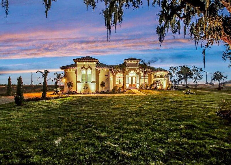 PARADISE� Luxury Resort Style Lakefront���, casa vacanza a Zephyrhills