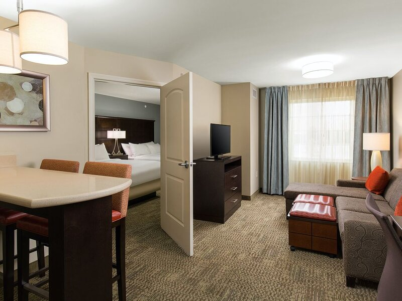 Suite Near the Central Park Rail Station | Free Breakfast Buffet, Pool Access, vacation rental in Henderson