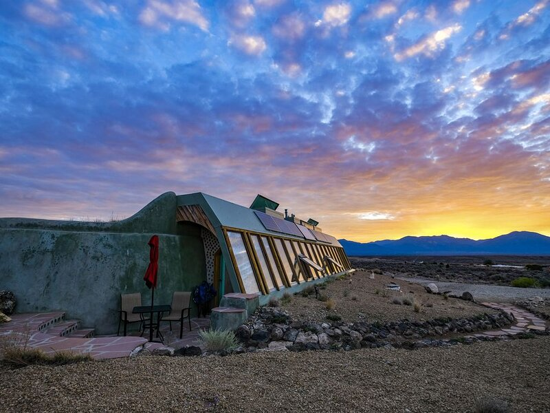 Spectacular Earthship, vacation rental in Carson