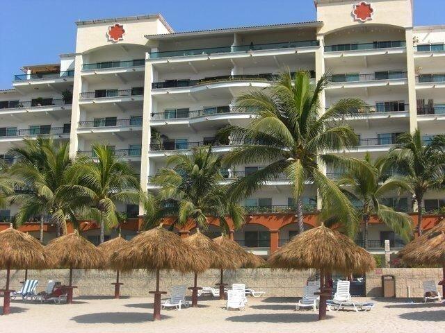 2 Br Five Star Playa Royale Residences Building, holiday rental in Nuevo Vallarta