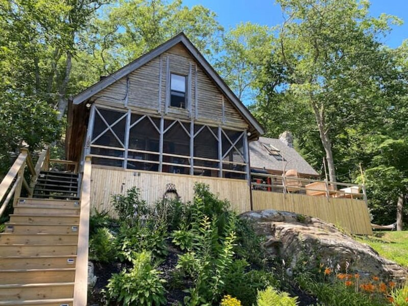 Lakeside 3 BR Cabin in Boothbay Harbor, holiday rental in Mac Mahan