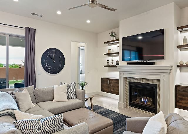 Arcadia 37 | Fire Pit * Luxury Vacation Villa * Sleeps 18 * Balcony Views, casa vacanza a Santa Clara