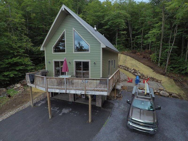 Rustic Chalet.. Hollywood Hills, OLD FORGE, NY DISCOUNTED RATES 6 people or less, vacation rental in Inlet