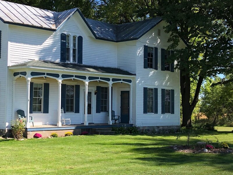 Historic country farm home, alquiler vacacional en Paw Paw