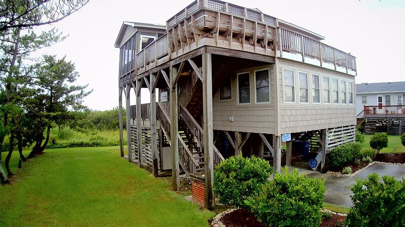 Charming Cottage in South Nags Head, 800 feet from the Ocean, holiday rental in Wanchese