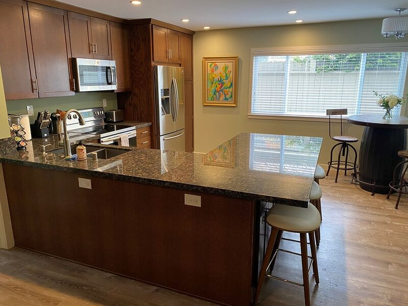 Apt 6: Cozy Beach Apartment Great For Families, vacation rental in Carpinteria