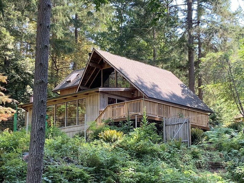 Your Refuge on the Rogue River, holiday rental in Wolf Creek