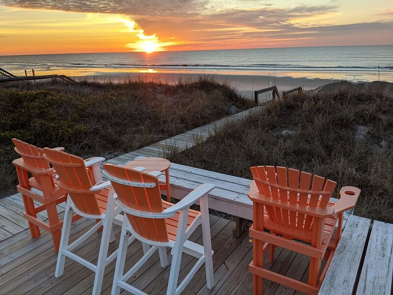 ADoryble-Oceanfront Cottage on an Uncrowded Beach, location de vacances à Holly Ridge