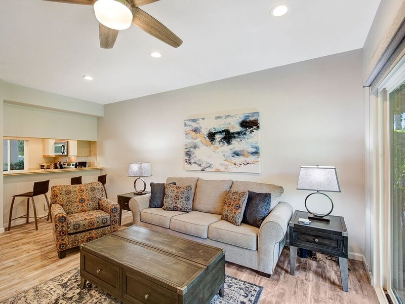 SPECTACULAR MOUNTAIN VIEW 1 BEDROOM, 2 FULL BATH CONDO, holiday rental in Cathedral City