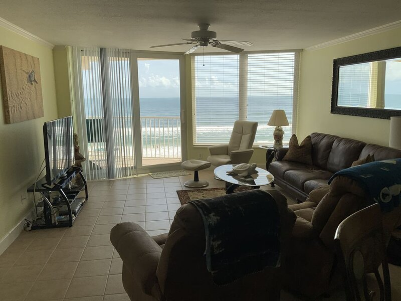 6th Floor Oceanfront on No Drive Beach! 5 Star Ratings! Great Family Vacation!, holiday rental in Daytona Beach Shores