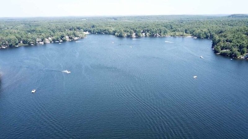 Why travel to Lake Winnipesaukee? Lakefront cottage in southern NH., casa vacanza a Lowell