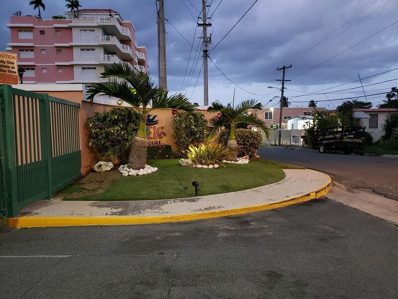 Beautiful condo located in a community on the BEACH!!, holiday rental in Quebradillas