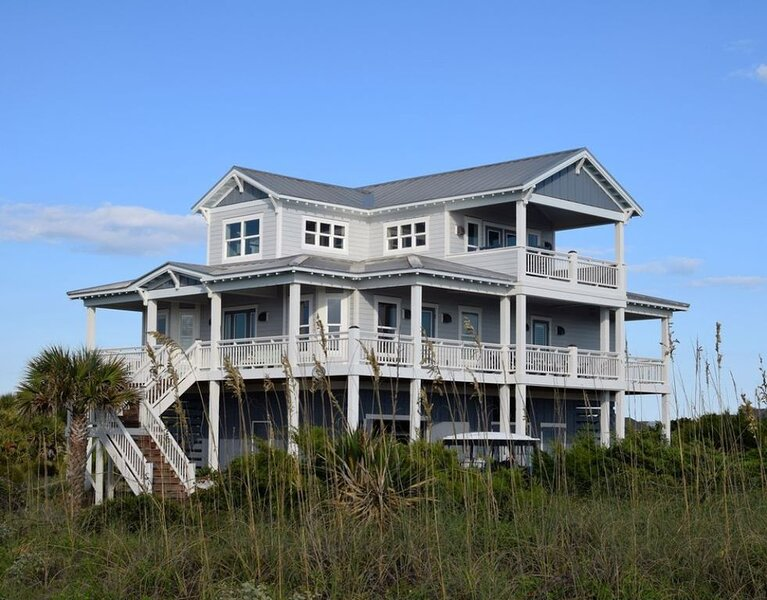 Work or School with an Ocean View - Family Friendly - Steps to Beach, location de vacances à Bald Head Island
